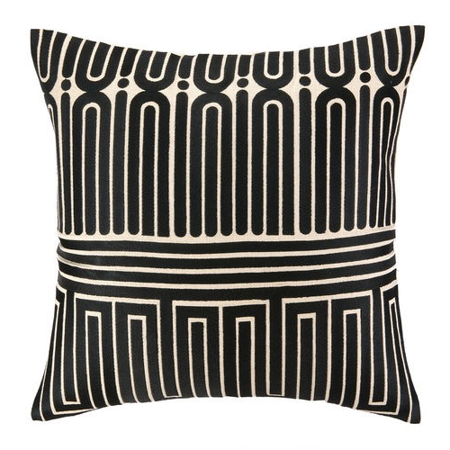 Pulp Home – Garden Maze Pillow Black