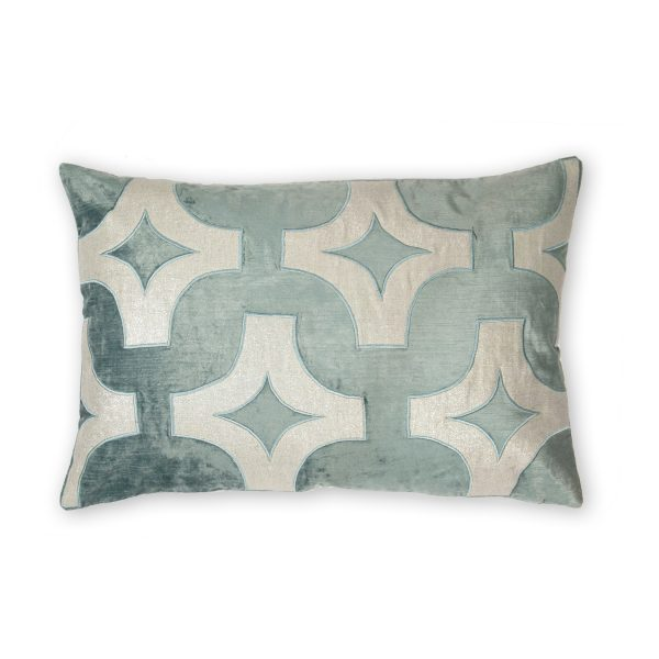 Pulp Home – Holly Pillow