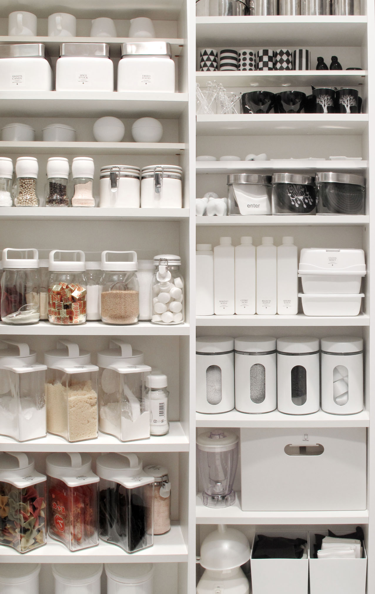 how to organize your pantry, tip for pantry organization, worlds most stylish pantry, kitchen renovation, beautiful kitchen renovation ideas, renovation ideas for stylish kitchens