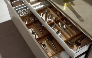 Tips for Perfectly Organized Kitchen Drawers