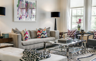 WEAR THE ROOM: Vibrant Townhome