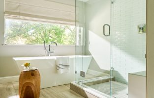 8 Tips to Creating the Perfect Bath Experience