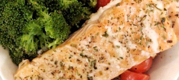 Healthy Baked Salmon Quinoa Bowl Recipe