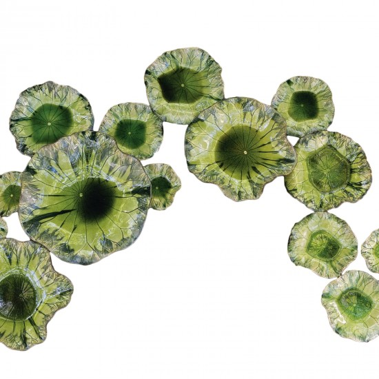Pulp Home – Free Formed Lily Plate-Green
