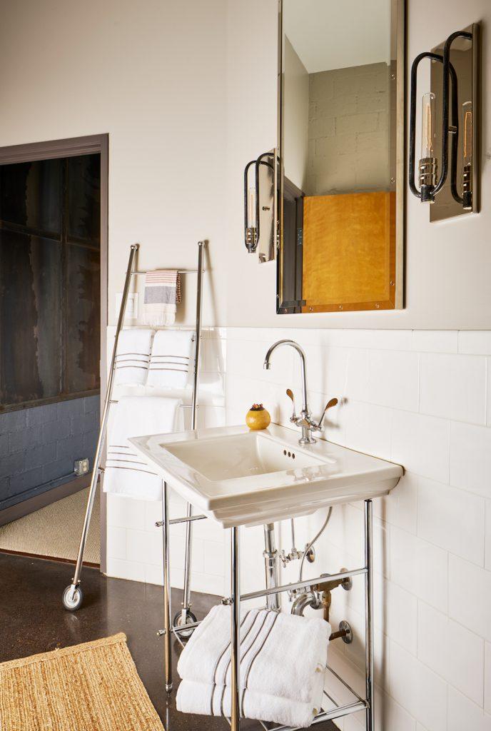 Pulp Design Studios - Dallas Loft - 16