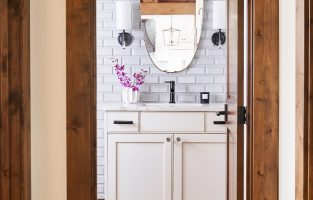 6 Tips for a Welcoming Guest Bath